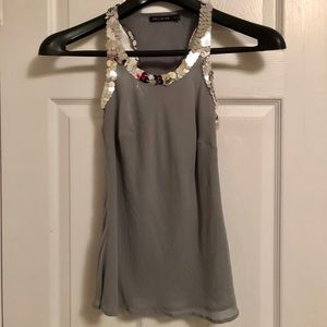 Gray sleeveless blouse with sequins around top 💎